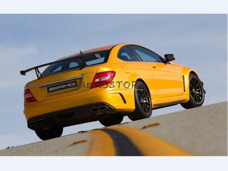 2011+ W204 C-CLASS C63 AMG 2D BLACK SERIES REAR BUMPER WITH DIFFUSER